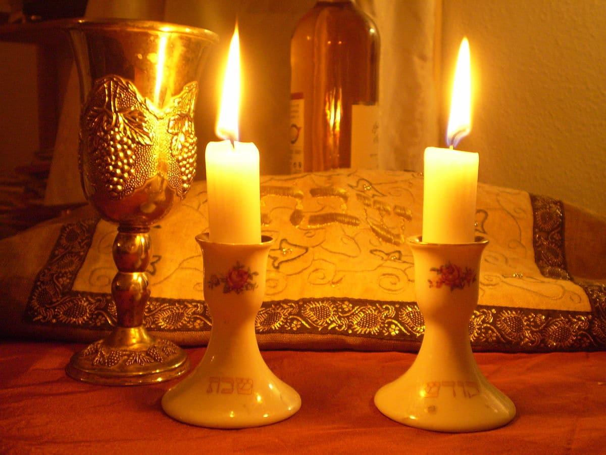 Shabbat_Candles